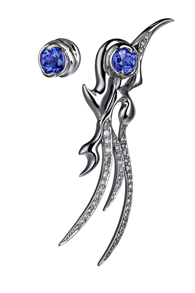 Ana de Costa asymmetric earrings in white gold from the Mystical Tarot collection, set with tanzanites and pavé diamonds.