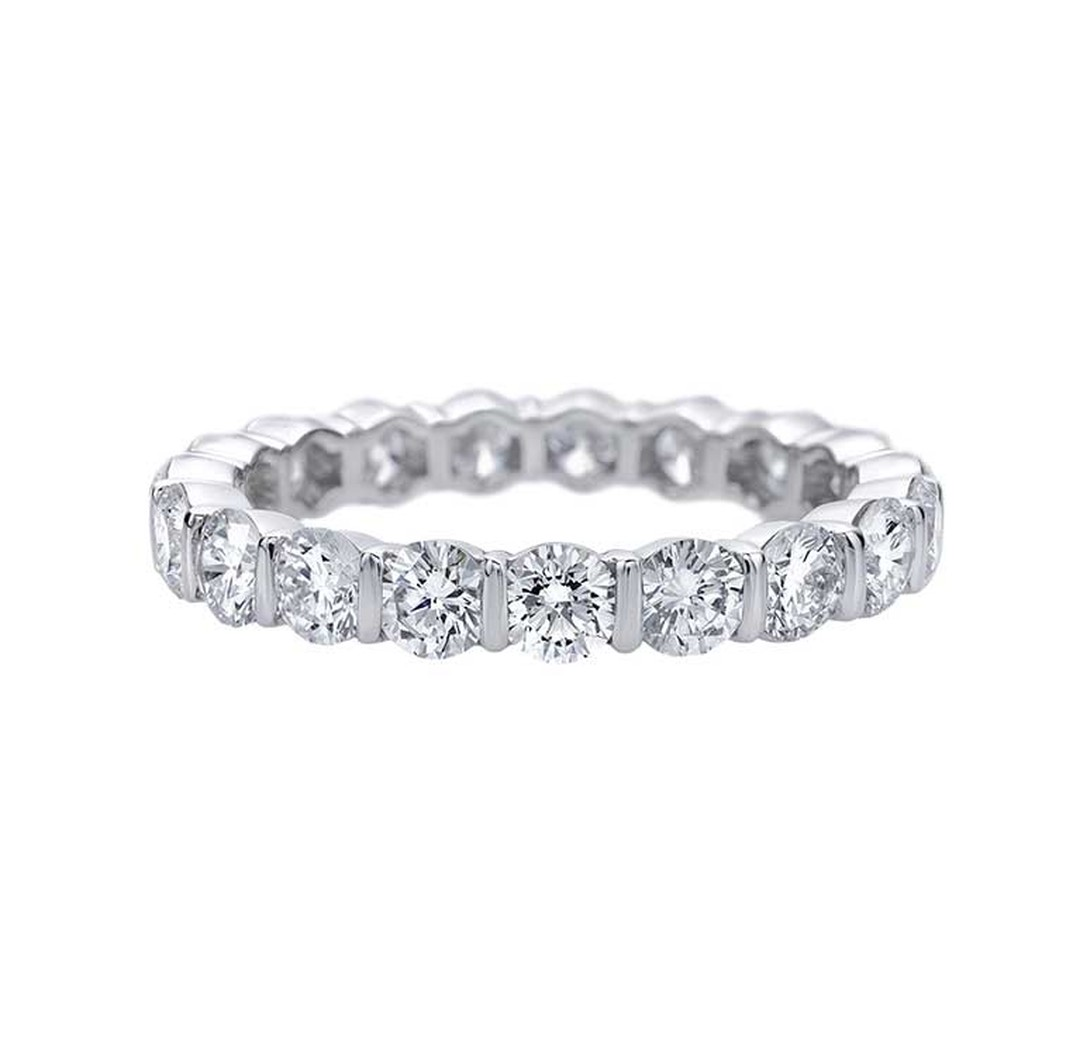 Harry Winston Bar-Set diamond eternity ring in platinum, set with 19 round brilliant diamonds weighing 2.02ct.