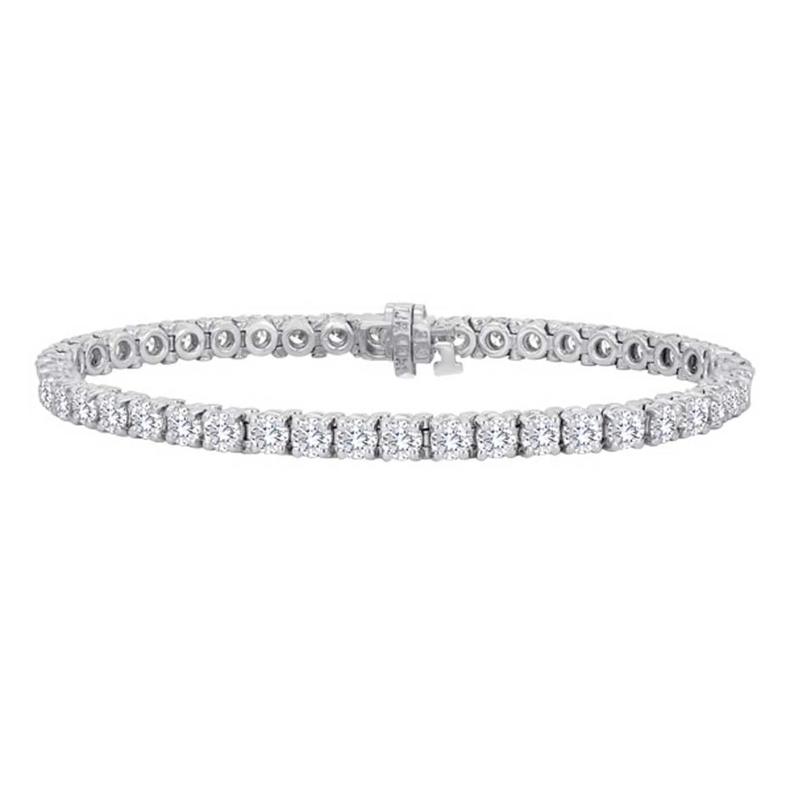 A closer look at the Forevermark Diamond Line Bracelet worn by Kate Hudson.