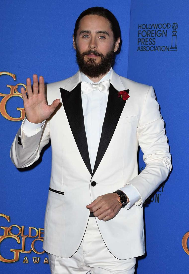 Actor Jared Leto also wore a Bulgari Bulgari Solotempo watch in yellow gold on the Golden Globes 2015 red carpet.