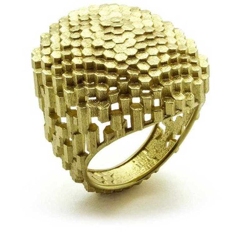 Jo Hayes Ward Flat Oval Hex Ring in yellow gold.