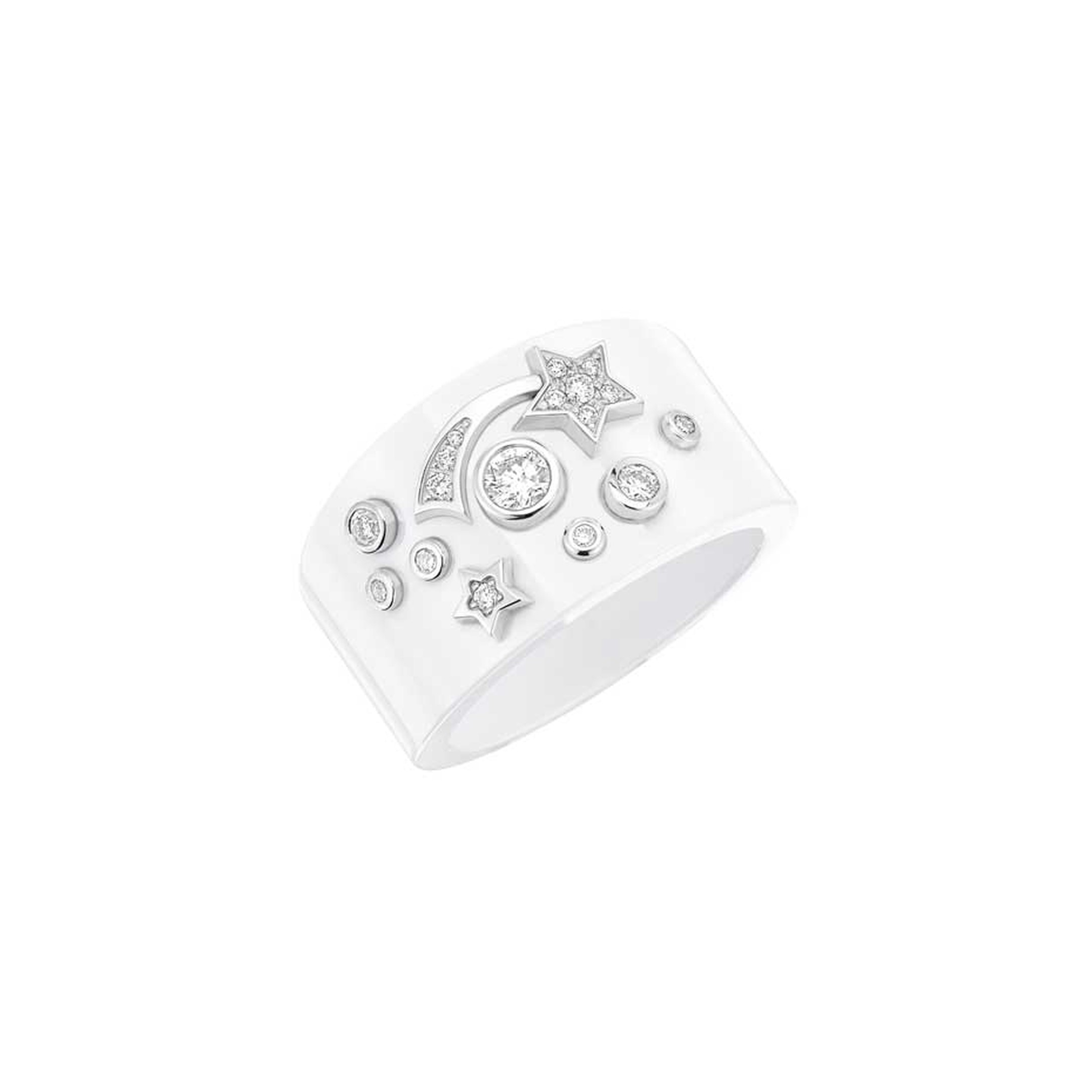 Chanel Cosmique ring in white ceramic and white gold set with brilliant-cut diamonds.