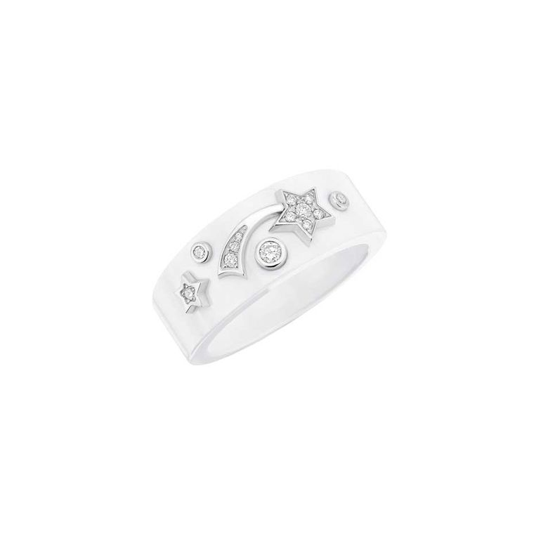 Chanel Cosmique ring in white ceramic and white gold set with brilliant-cut diamonds. All of the pieces in the Cosmique de Chanel collection are adorned with sparkling stars.