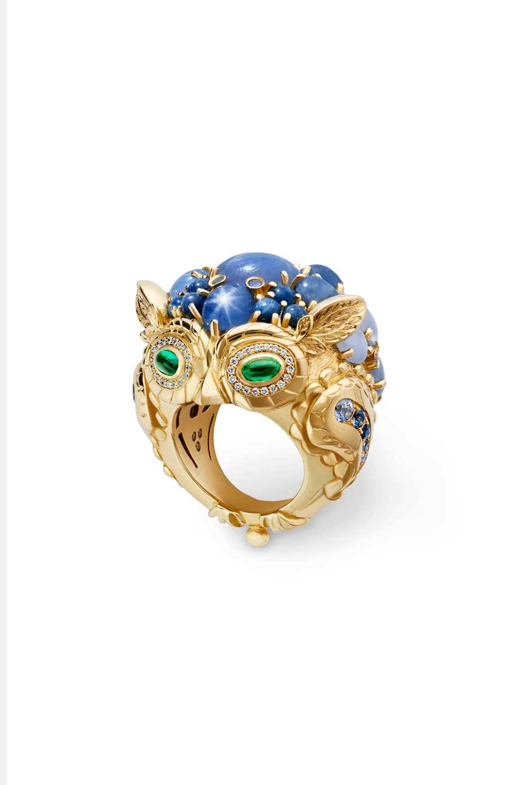 Temple St.Clair Great Horned Owl ring in yellow gold, set with star sapphires, Ceylon sapphires, emeralds and diamonds.