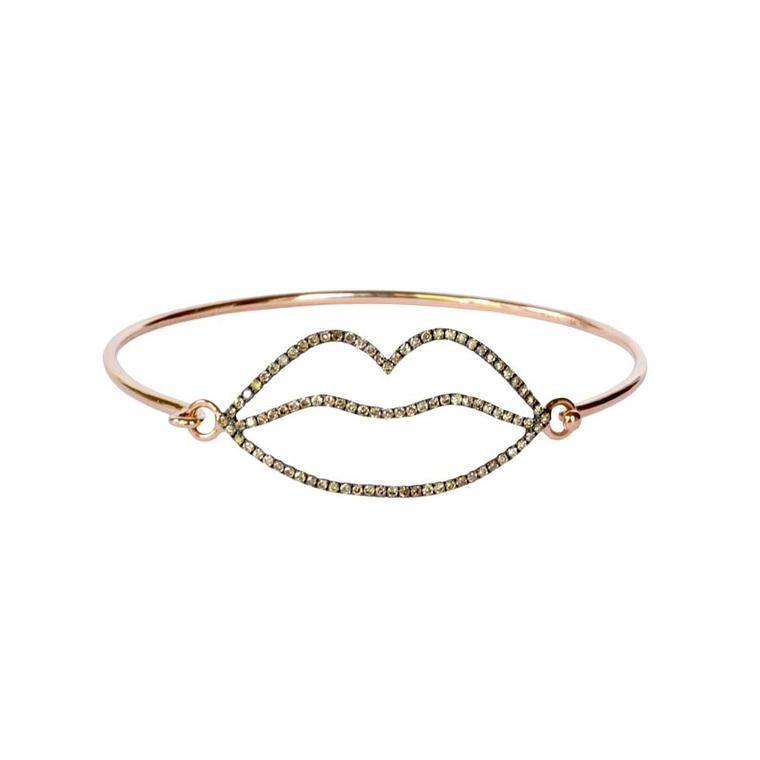 Rosa de la Cruz bracelet in yellow gold with brown diamond-encrusted lips.