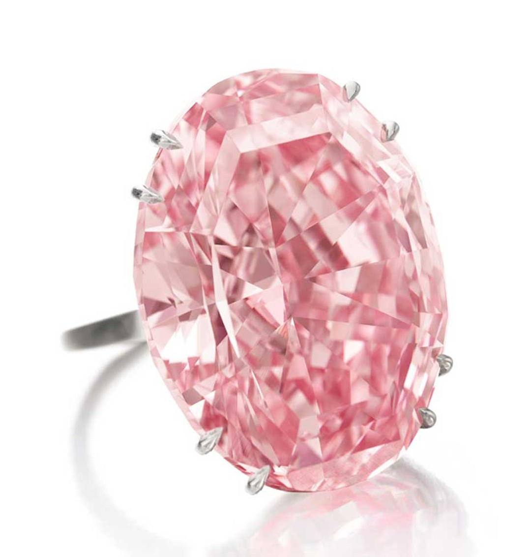 The Steinmetz Pink diamond, discovered by De Beers in South Africa in 1999, weighs 59.60 carats and is a much-prized Fancy Vivid pink colour.