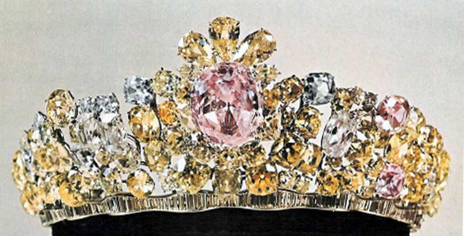 The Noor-ol-Ain - Eye of Light - tiara from the Iranian Crown Jewels collection weighs 60.00 carats and is believed to have come from the ancient Golconda mines in India.