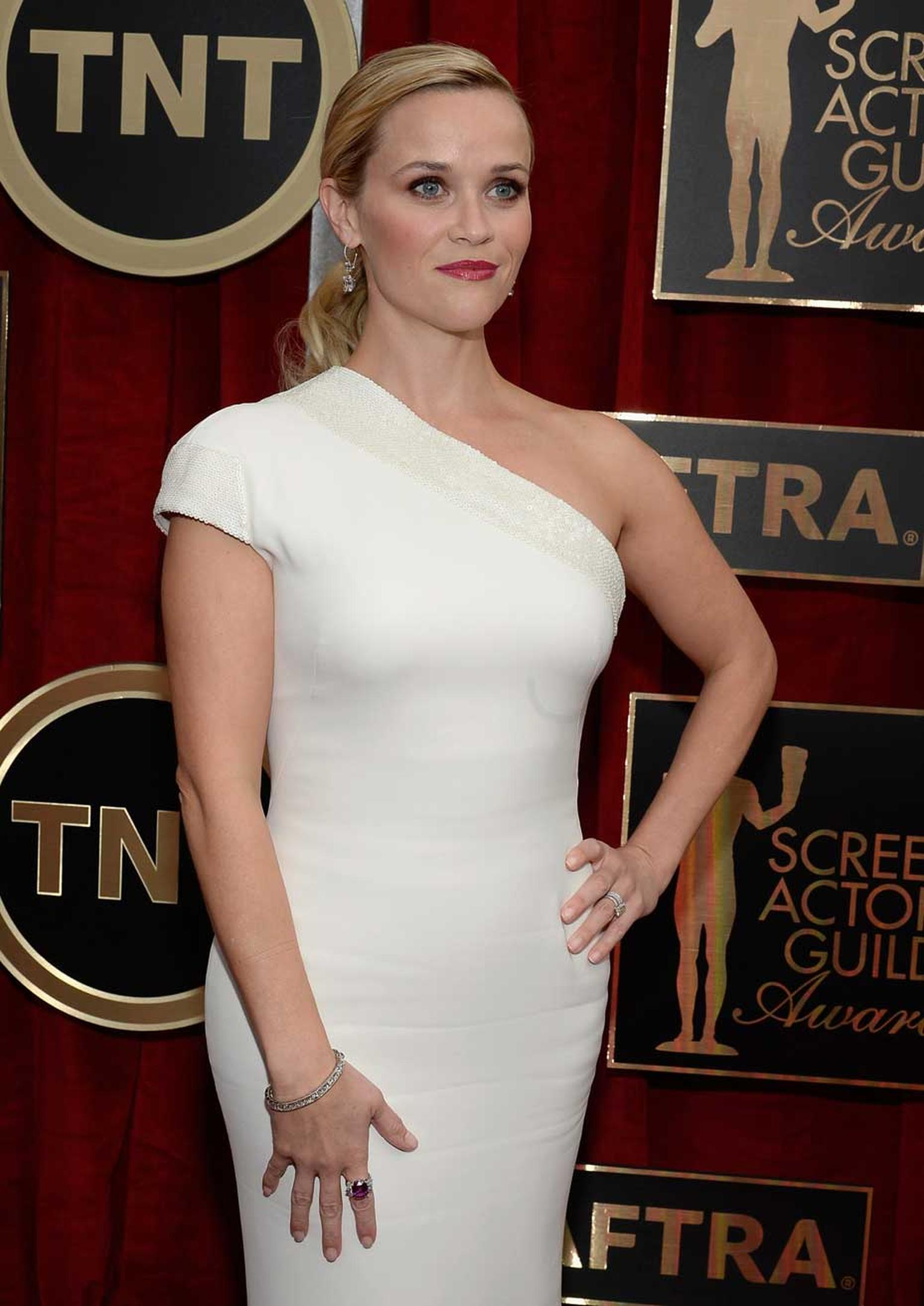 Actress Reese Witherspoon attends the 21st Annual Screen Actors Guild Awards at The Shrine Auditorium on 25 January 2015 in LA wearing more than $3.5 million worth of Harry Winston diamonds. (Kevork Djansezian/Getty Images)