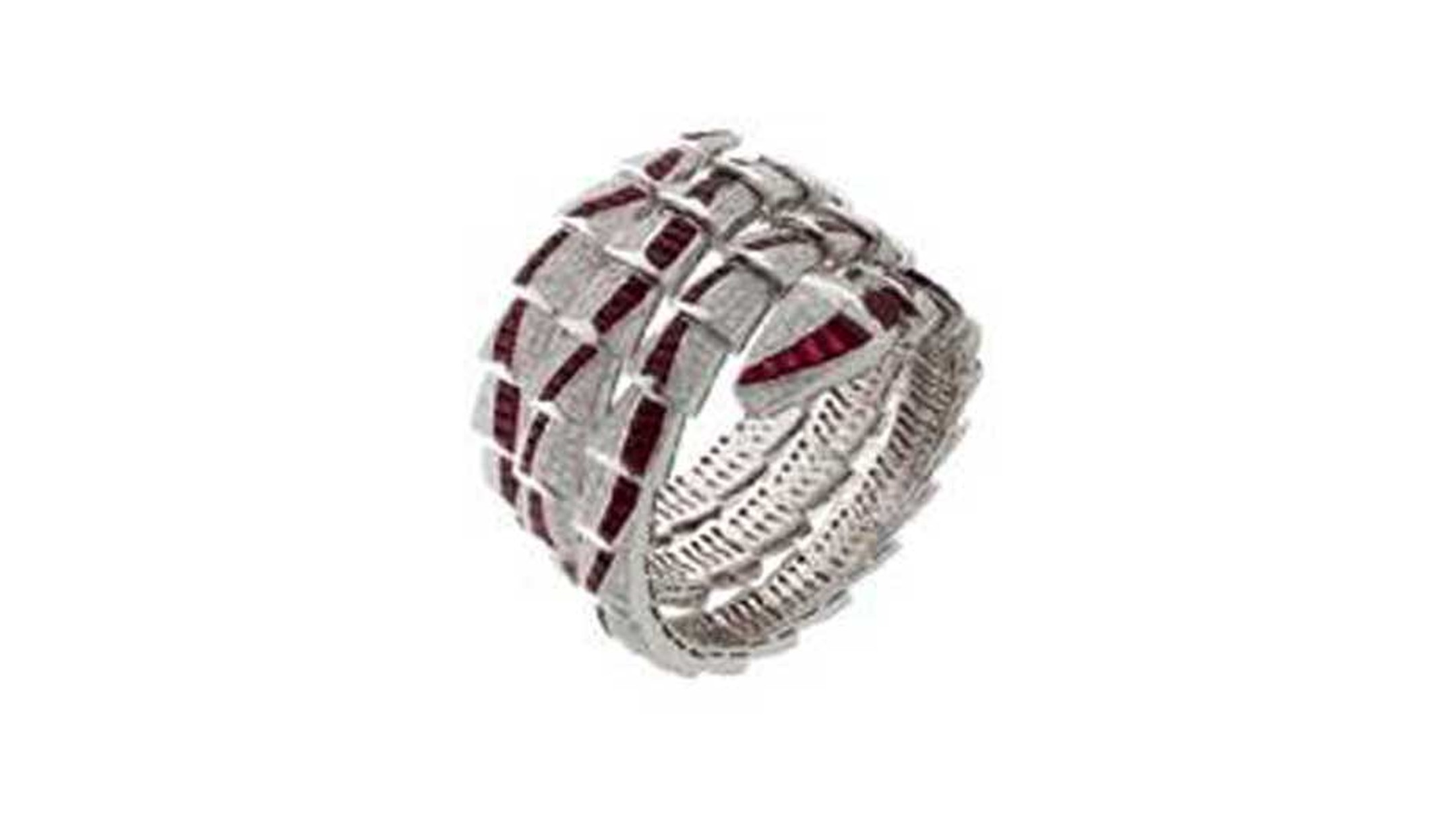 Bulghttp://www.thejewelleryeditor.com/media/52911/SAG-Awards-2015_Bulgari_Ring.jpgari Serpenti high jewelry bracelet with rubies and diamonds worn by Naomi Watts to the 2015 Screen Actors Guild Awards.