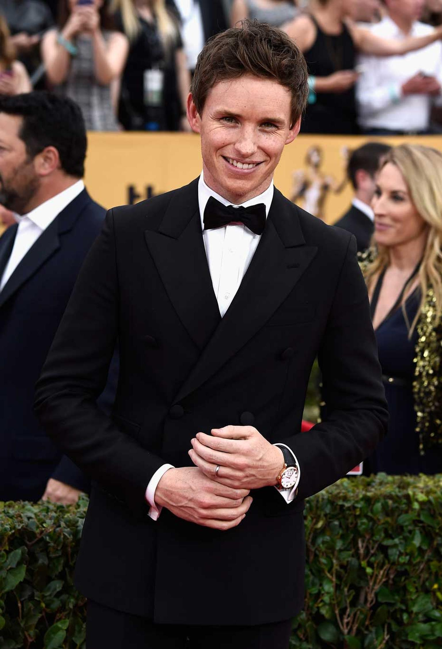 British actor Eddie Redmayne, winner of the Outstanding Performance by a Male Actor in a Leading Role award at the 2015 SAG awards, wore the Chopard Classic Manufacture watch in rose gold.