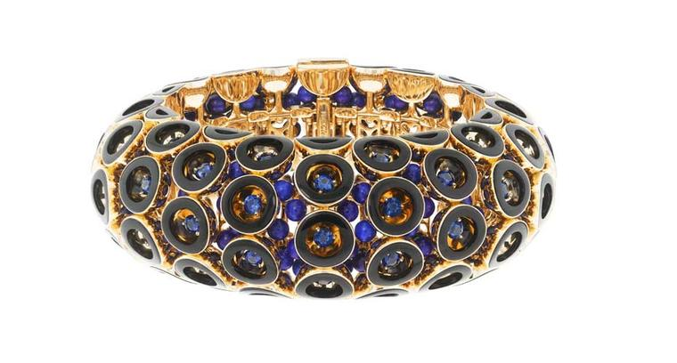 Viola Davis also wore this OpArt Lapis bracelet from the Pierres de Caractère - Variations collection by Van Cleef & Arpels to the Screen Actors Guild Awards 2015.