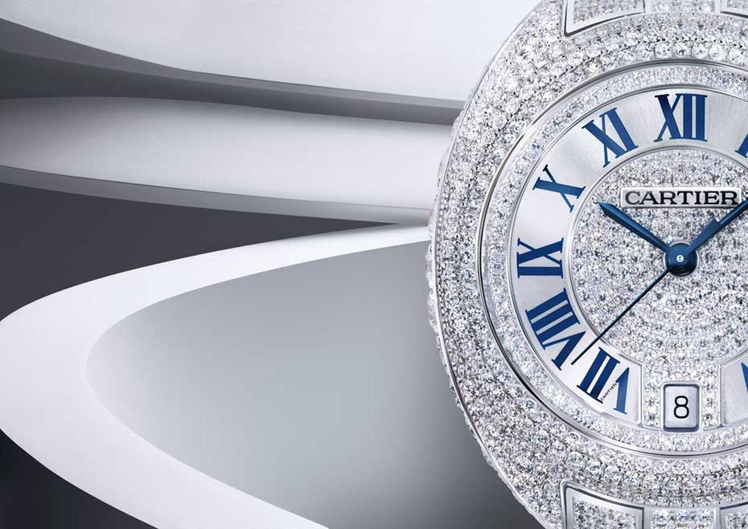 Cartier Clé ladies' model presented in a 31mm white gold case is offered in a luxurious full pavé setting. (Eric Maillet © Cartier)