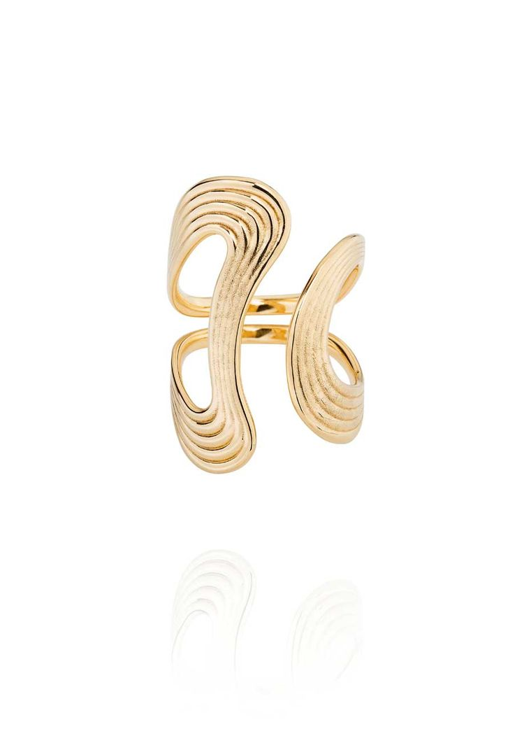 Fernando Jorge Stream ring in yellow gold.
