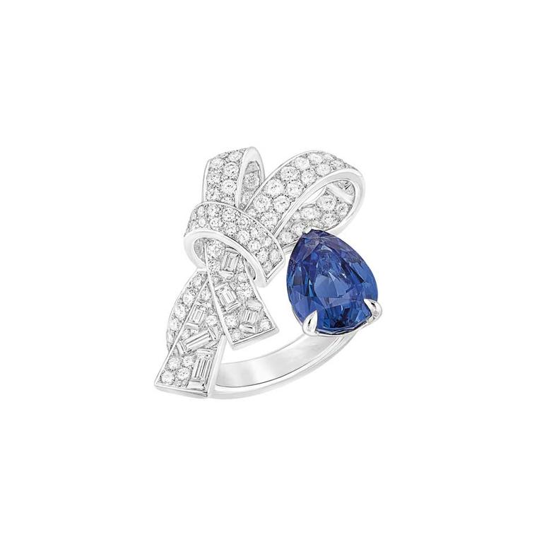 Chanel high jewellery Ruban ring in white gold with diamonds and a 4.7 carat pear-cut sapphire from the new Les Intemporels de Chanel collection.