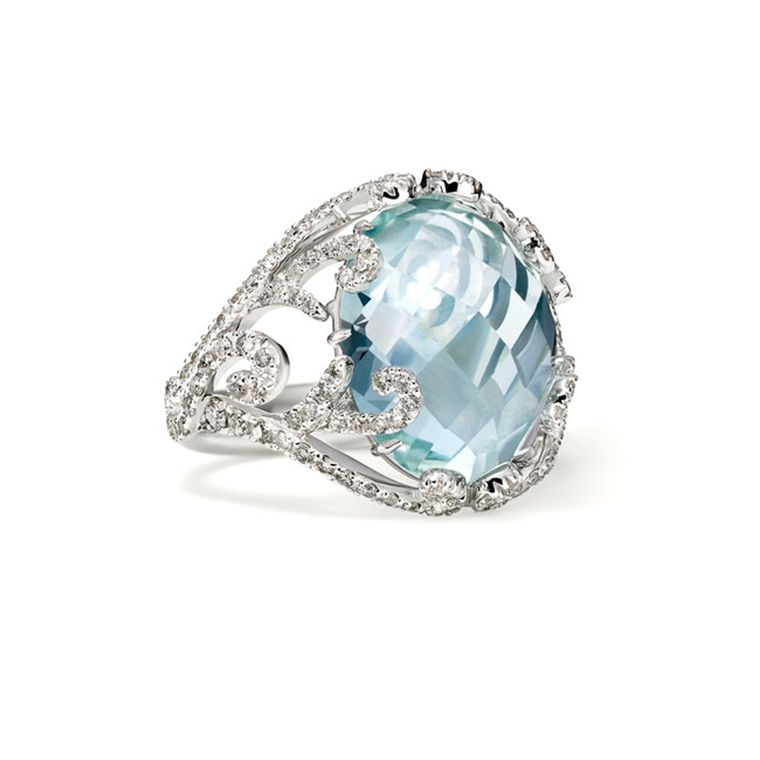 This beautiful aquamarine cocktail ring is from the Sarah Ho collection for luxury lifestyle boutique William & Son, and features a large, faceted, oval cabochon-cut aquamarine.