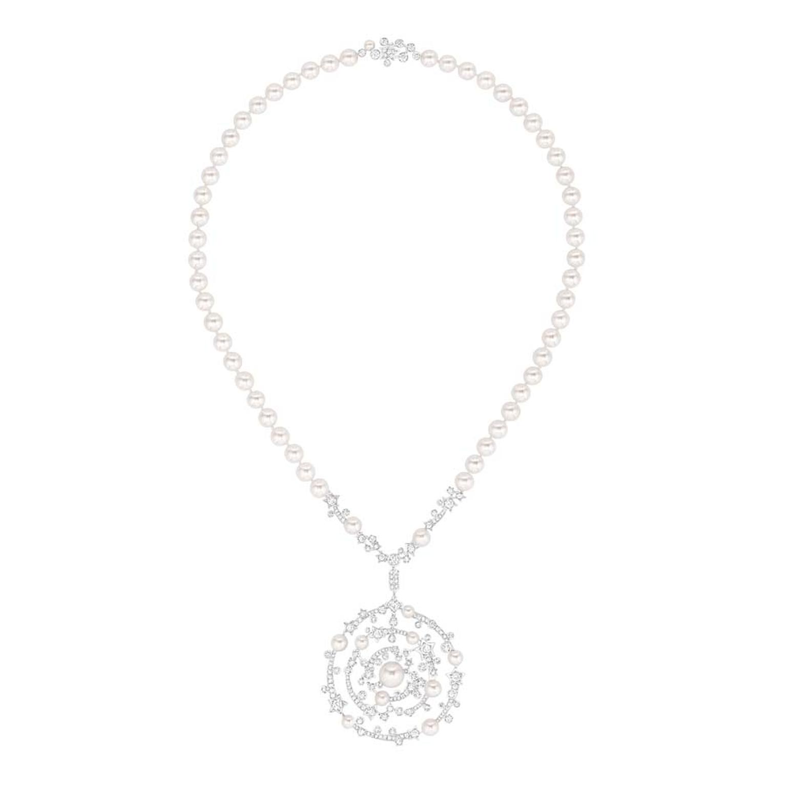 Chanel Spirale necklace in white gold, set with brilliant-cut diamonds, a cushon-cut diamond and 65 Japanese cultured pearls. From the new Les Intemporels high jewellery collection.