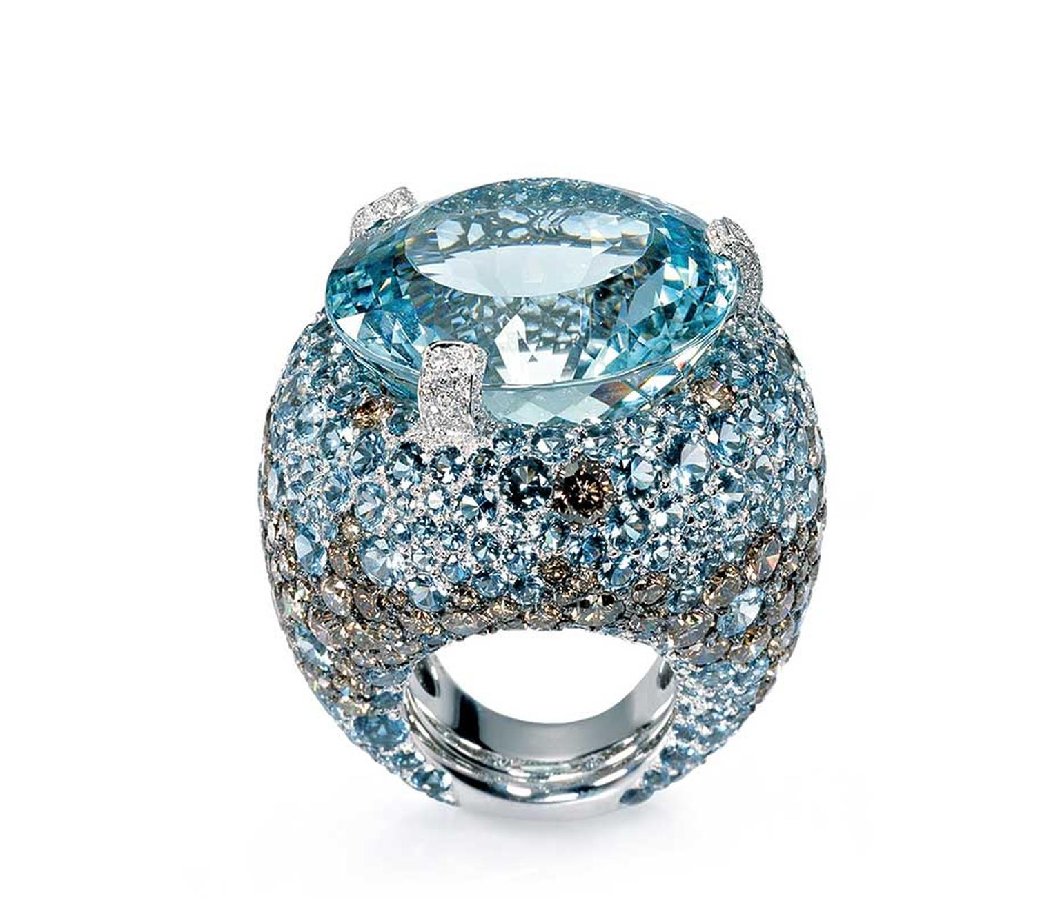de GRISOGONO aquamarine ring with diamonds, from the Melody of Colours collection.