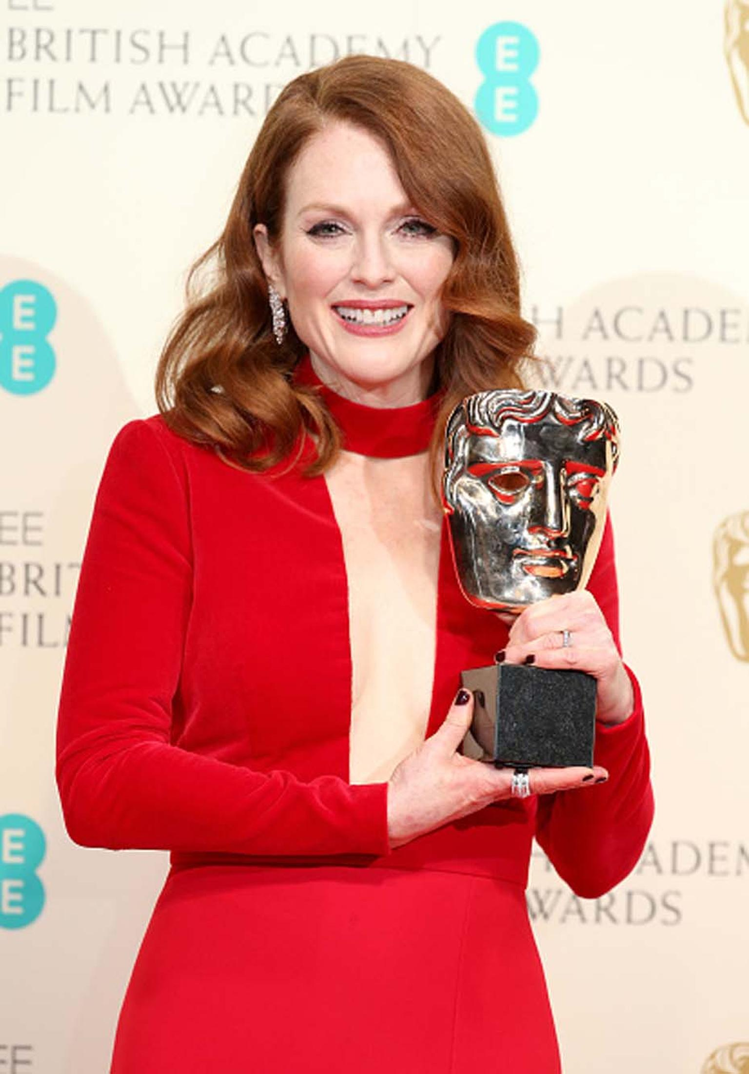 Best Leading Actress winner Julianne Moore wore Chopard jewelry to the 2015 BAFTAs.