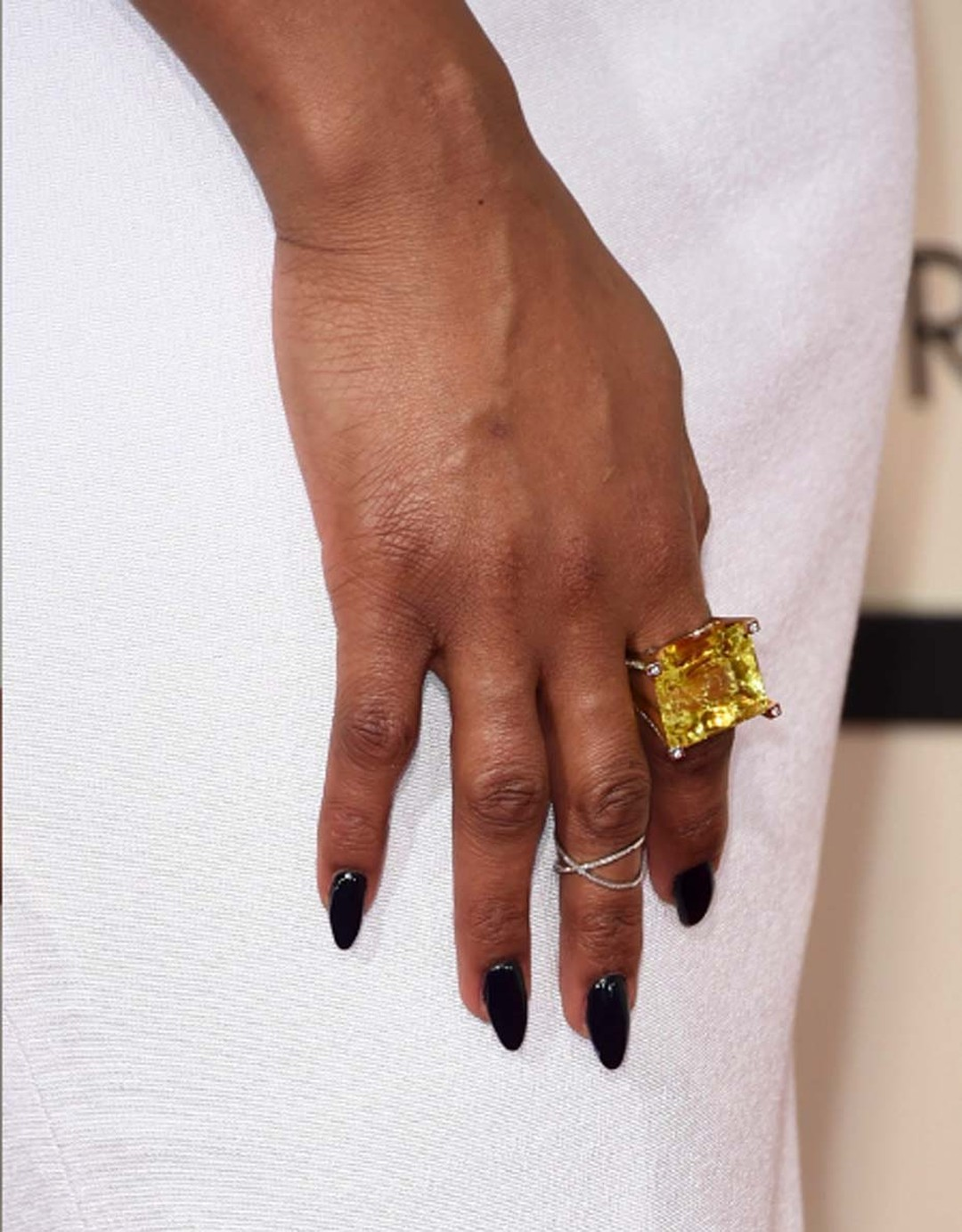 Actress and singer Jennifer Hudson further accessorised her red carpet look with this stunning Jorge Adeler lemon lime quartz ring with diamonds.