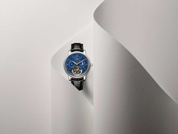 Jaeger-LeCoultre Master Grande Tradition Tourbillon Cylindrique Quantième Perpétuel watch has a lovely blue grained dial and the perpetual calendar can be adjusted by the single pusher. If you keep the watch wound, you will not have to undertake any corre
