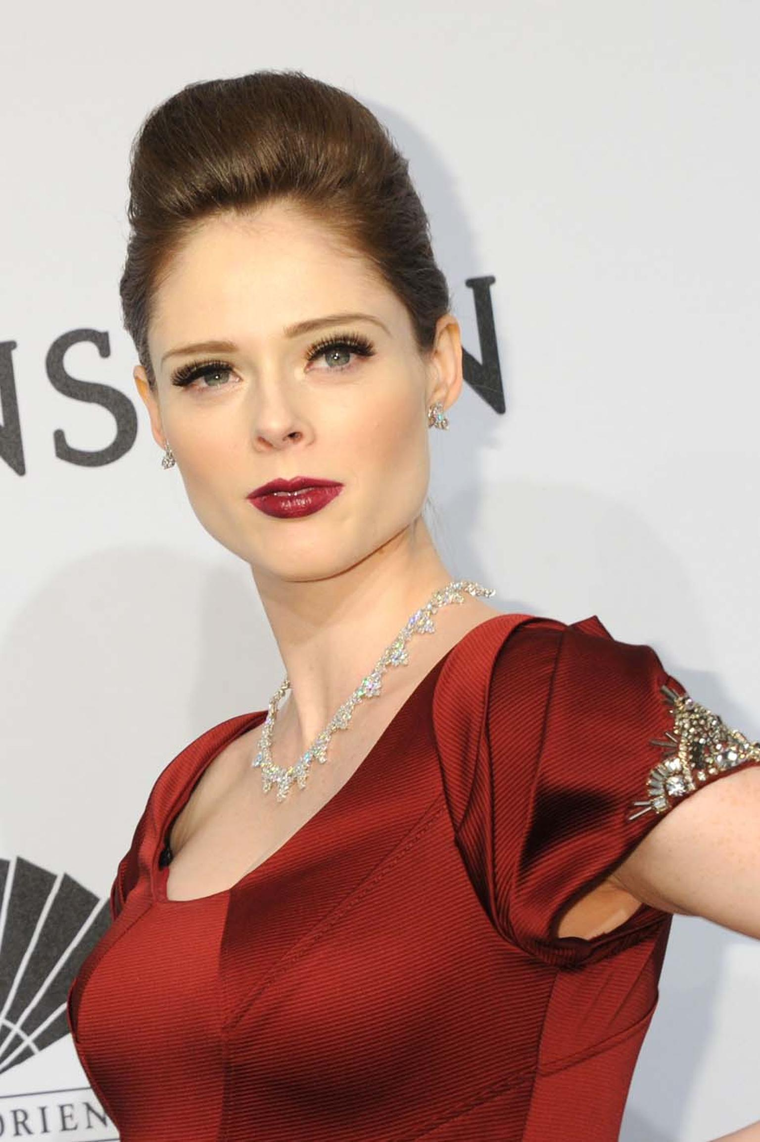 Model Coco Rocha wore a trio of Harry Winston high jewellery diamond pieces, set in platinum, when she attended the 2015 amfAR New York Gala. She wore a 62 carat Winston Cluster diamond necklace, a pair of Three Stone Winston Cluster diamond earrings (6.1