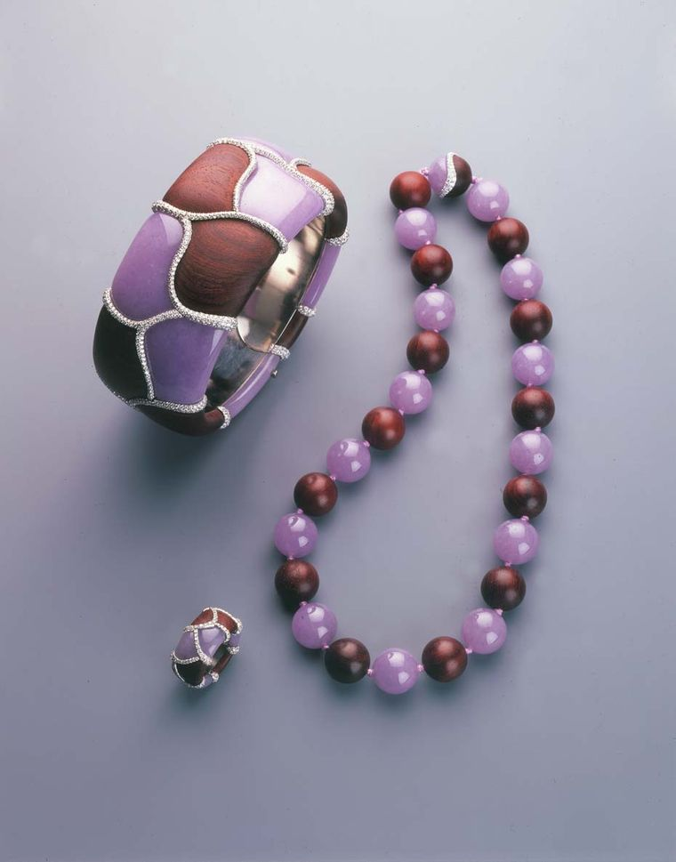 Samuel Kung's contemporary-styled lavender jadeite suite set in white gold with wood.