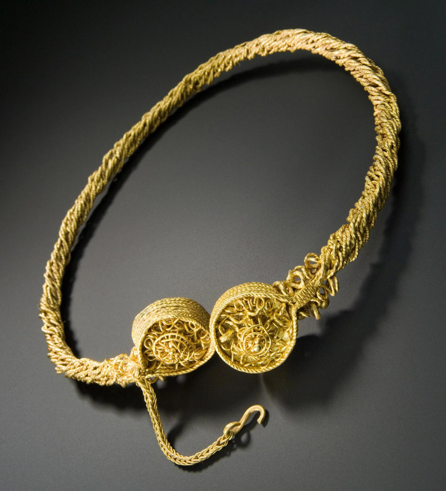 Goldsmiths-Torc