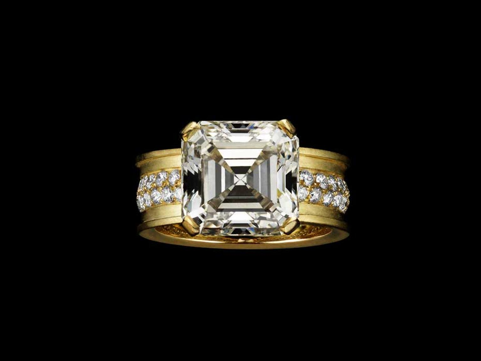 Liv Ballard Collection Sacro Vincolo Unchained gold ring, set with a 5.80ct Asscher-cut diamond.
