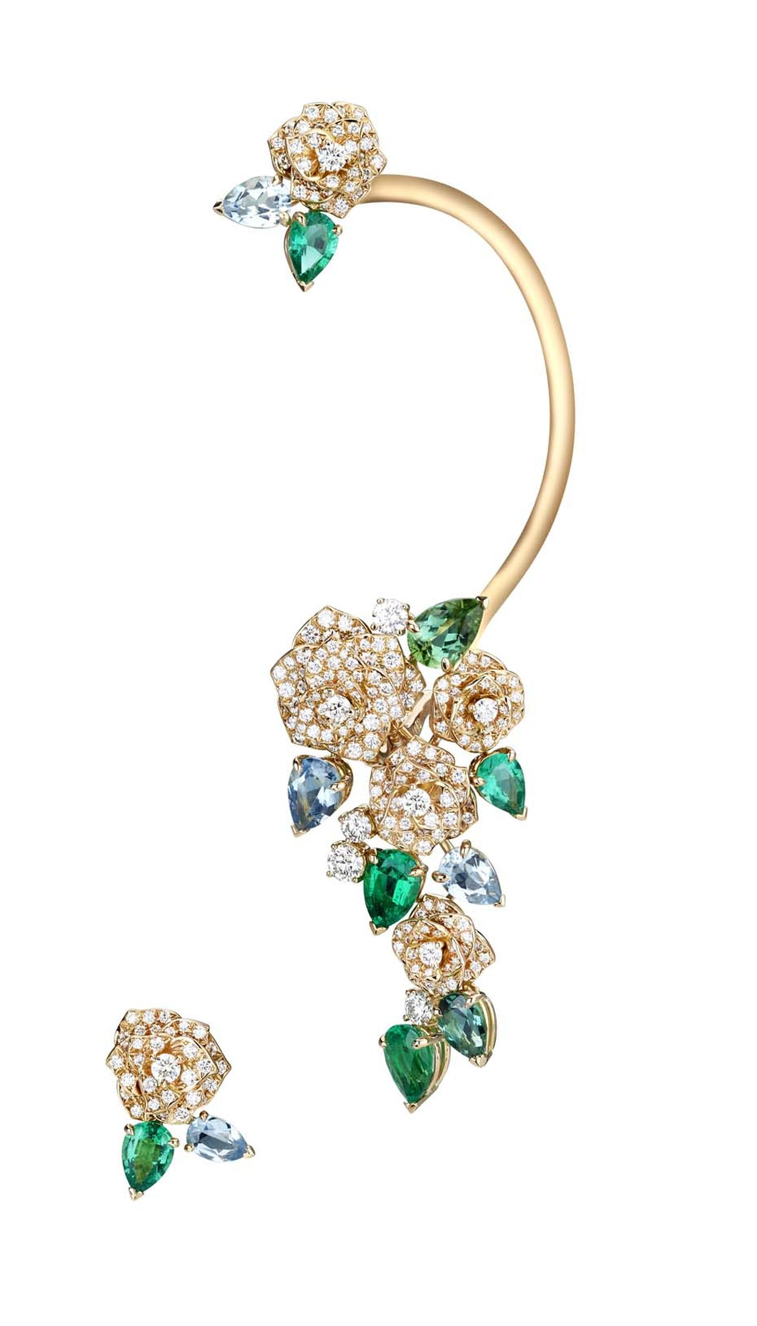 This Piaget Mediterranean Garden ear cuff was the perfect red carpet jewelry choice for edgy actress Scarlett Johansson at this year's Oscars.