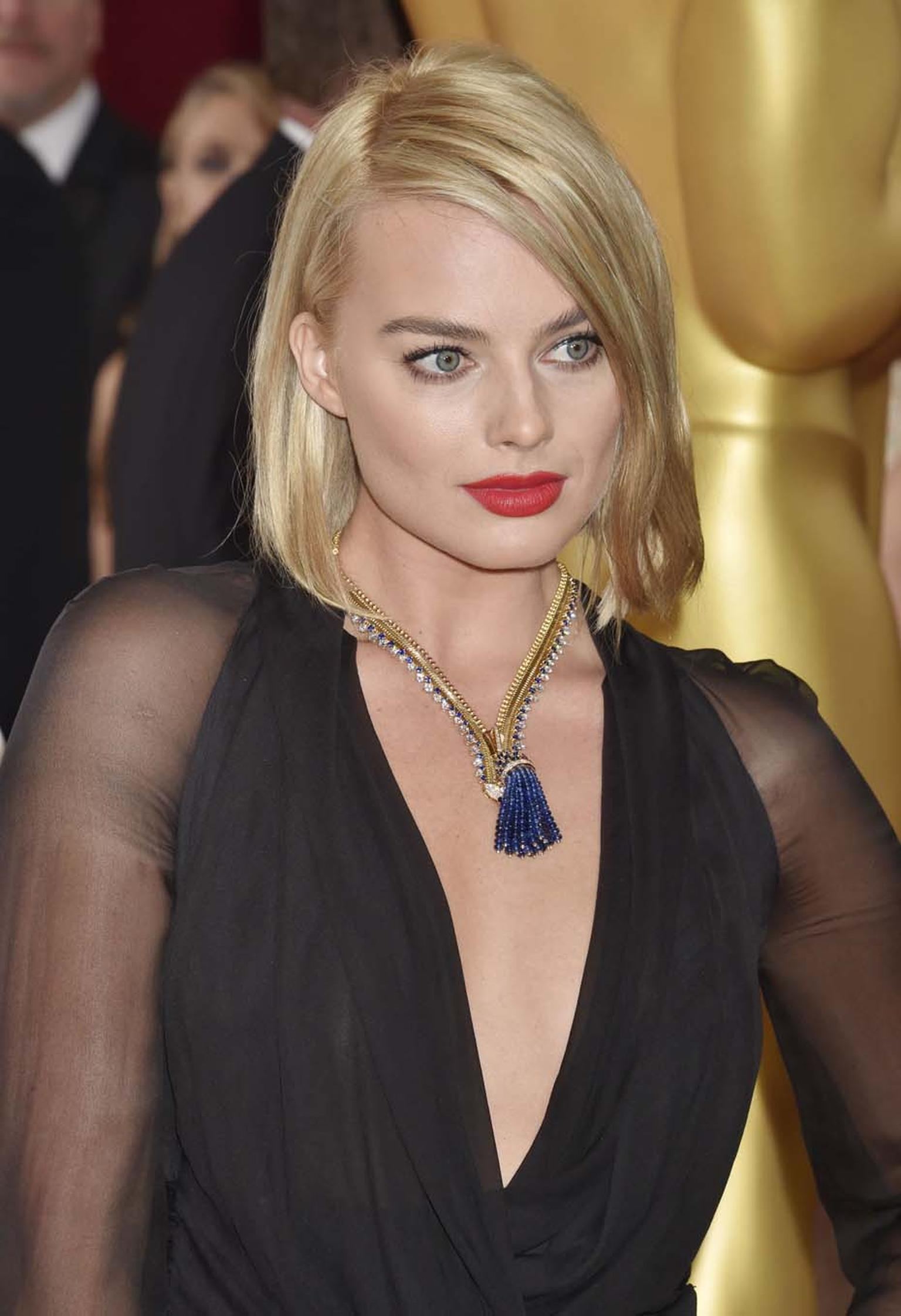 Van Cleef & Arpels Zip necklace, worn by Margot Robbie