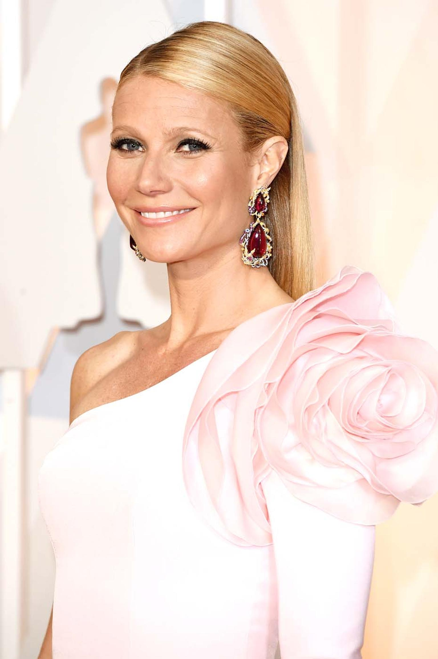 Gwyneth Paltrow in Anna Hu Fire Phoenix rubellite earrings