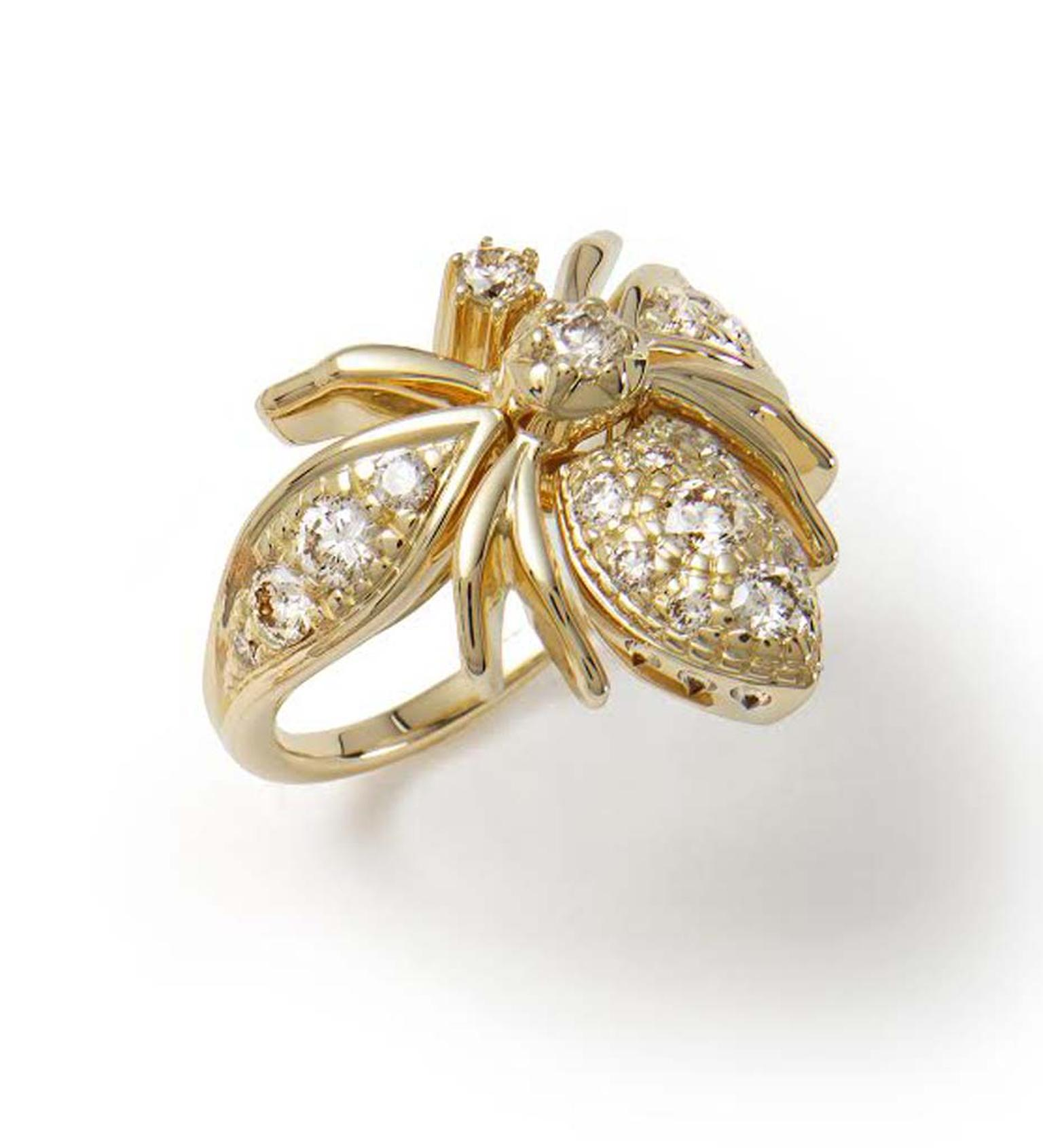 Bee-inspired ring from the Rock Season collection by H.Stern in yellow gold set with cognac diamonds.