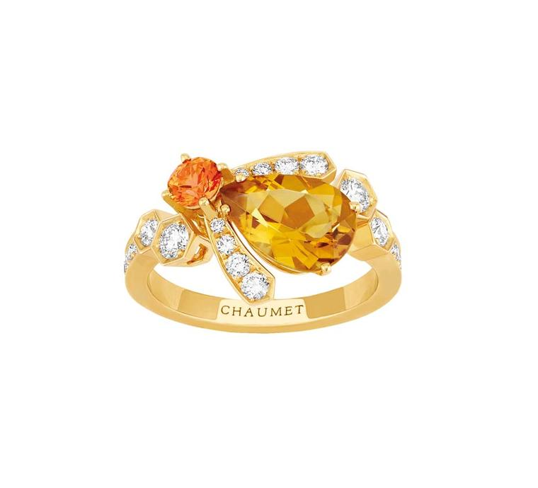 Chaumet Bee My Love ring in yellow gold, set with a sapphire, a citrine and diamonds.