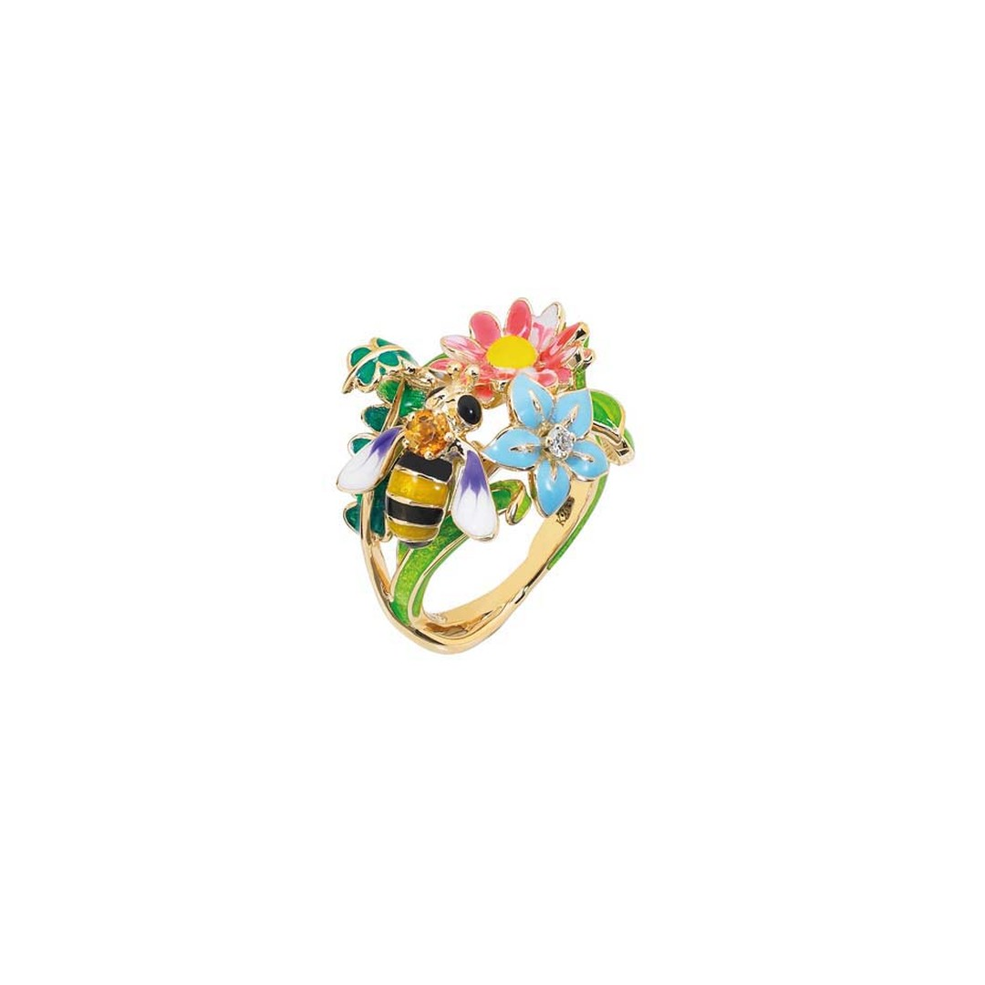 Dior Joaillerie's bee-inspired Diorette ring in yellow gold with diamond and lacquer.