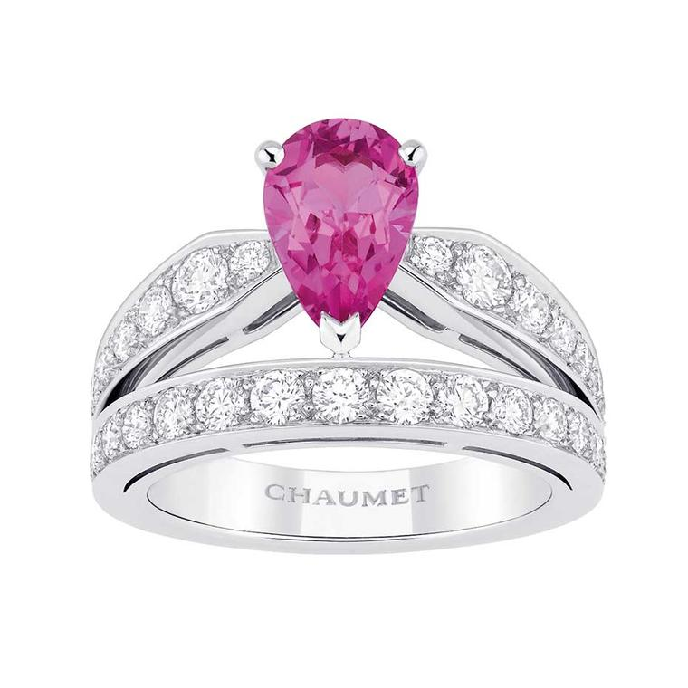 Pink sapphire engagement rings: the way to win her heart