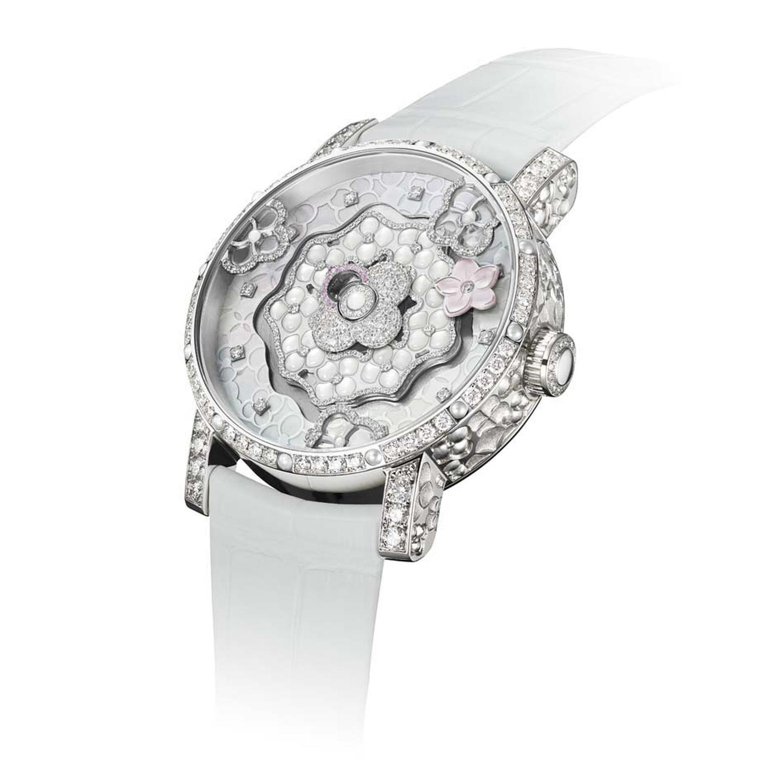 Chaumet watches has chosen the hydrangea flower as the star of its Hortensia Creative Complication, which displays the hours and minutes with mobile hydrangeas on the dial.