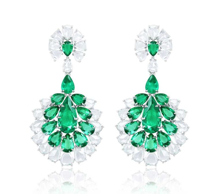 Sutra Colombian emerald earrings with diamonds in white gold.