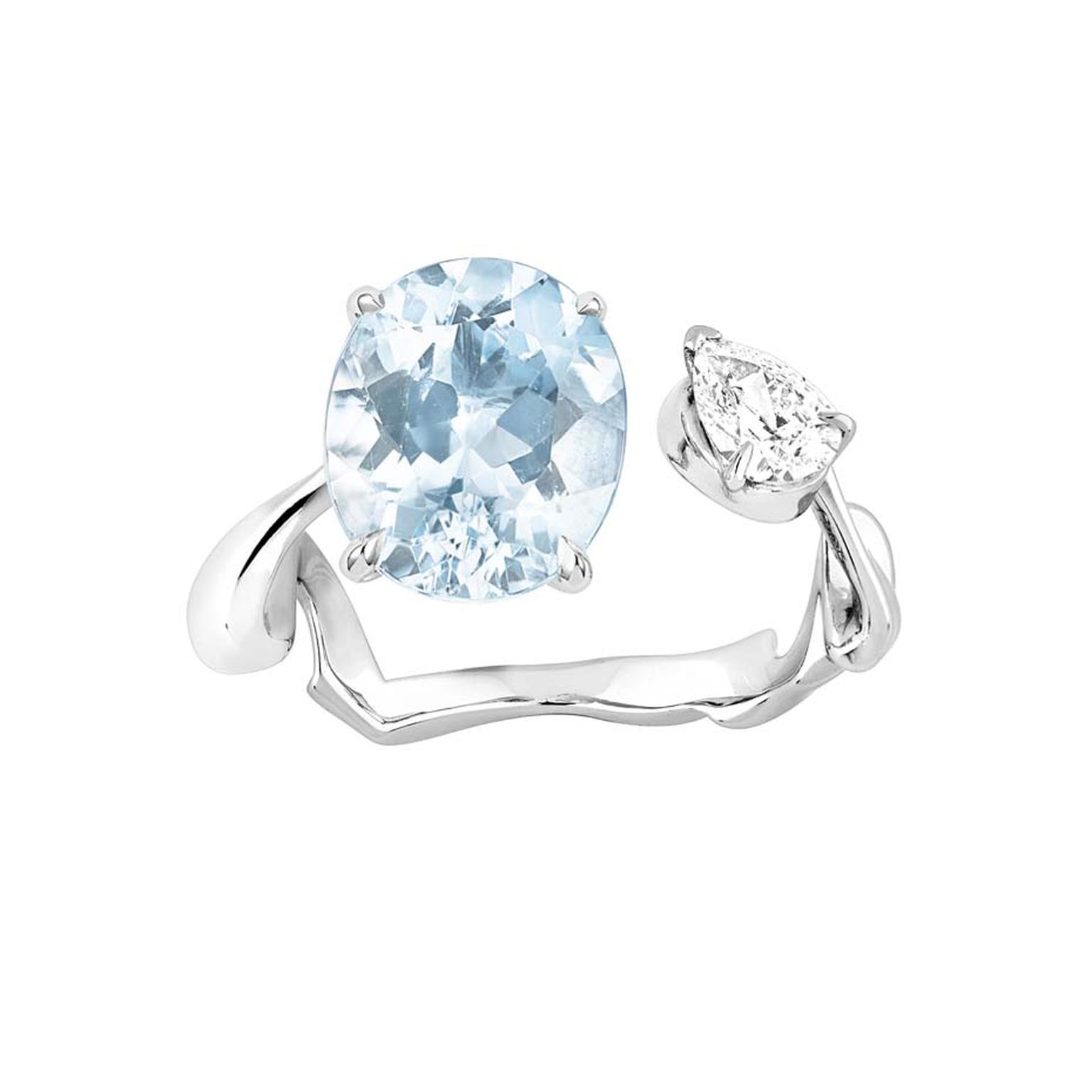 The twisted ribbon on a Diorama couture dress, designed by Christian Dior in 1951, is the inspiration behind this Dior ring in white gold with aquamarine and diamonds.