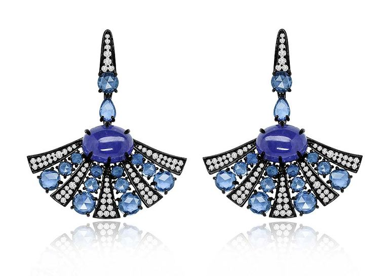 Sutra earrings in black gold, set with sapphires, tanzanites and diamonds.