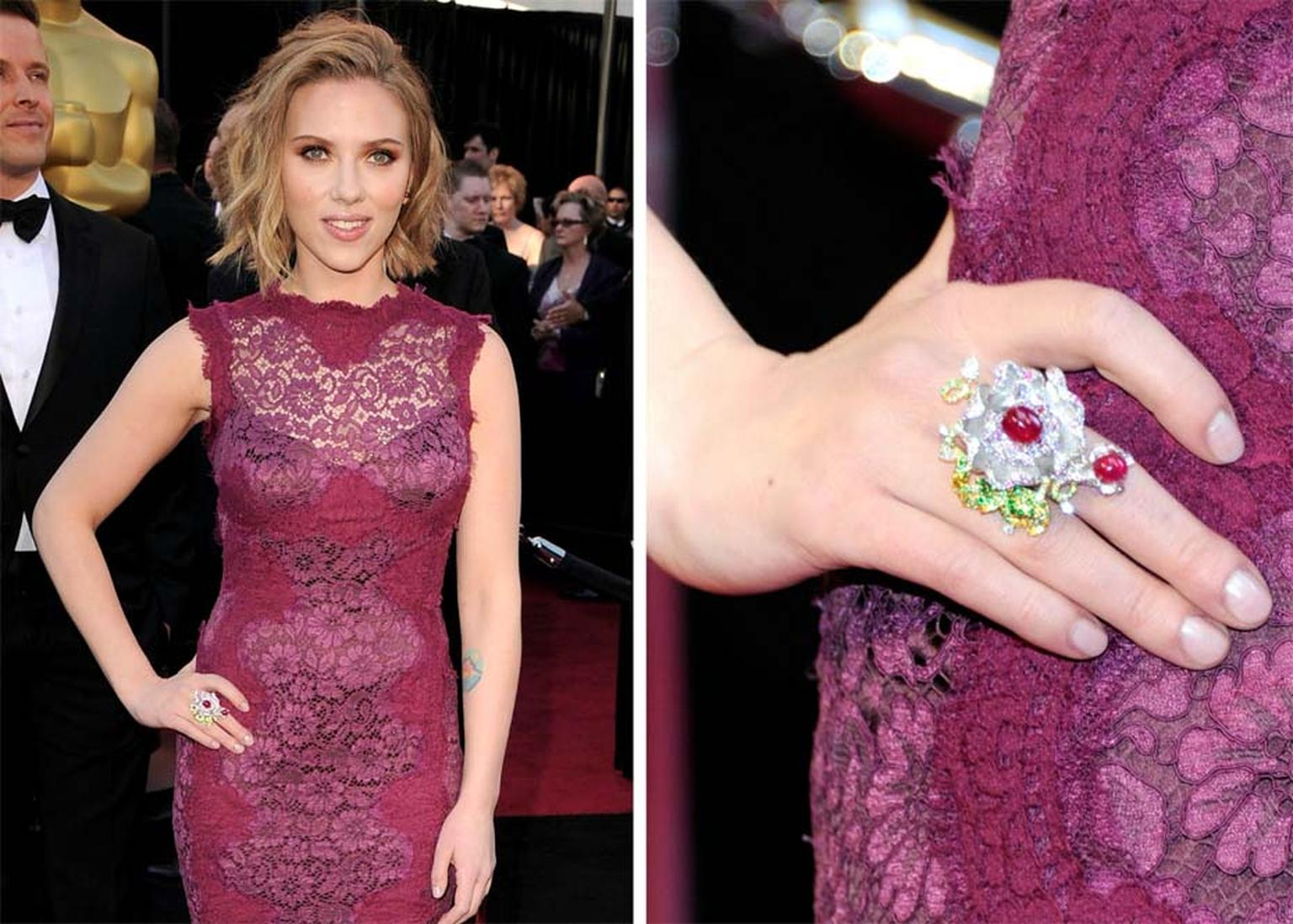 Scarlett Johansson wore Anna Hu's Dragon Flower ring, featuring rubies, sapphires and diamonds set in white and yellow gold, to the 2011 Oscars ceremony.
