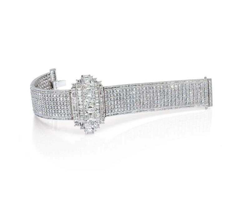 Anna Hu's one-of-a-kind Wallis Simpson bracelet, as worn by Naomi Watts at the Oscars, was inspired by the Duchess of Windsor, and features 5 baguette cut white diamonds and 380 brilliant cut diamonds set in white gold.