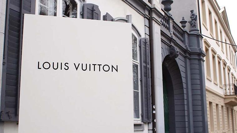 The Jewellery Editor paid a visit to the Louis Vuitton villa in Basel to preview the new Louis Vuitton women's watch collection for 2015.