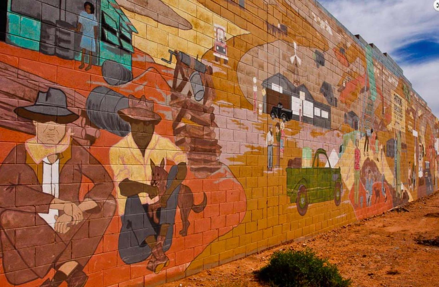 Lucas mural at the local supermarket of Coober Pedy, Australia. Photo: Courtesy of South Cape Photography / District Council of Coober Pedy.