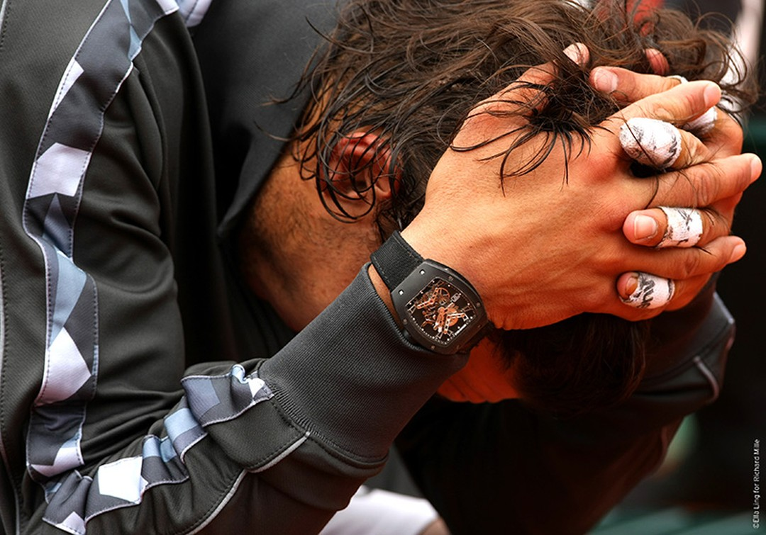 Rafael Nadal concentrates at the French Open