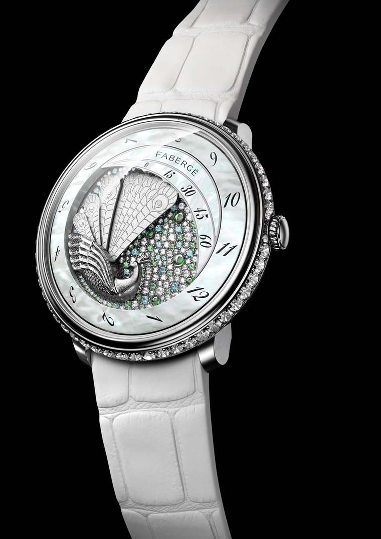 Fabergé made its Baselworld debut with the Peacock watch from its new Lady Compliquée collection. The sculpted gold Peacock is endowed with five feathers that fan out every 60 minutes and make the white mother-of-pearl rotating hour disc advance.