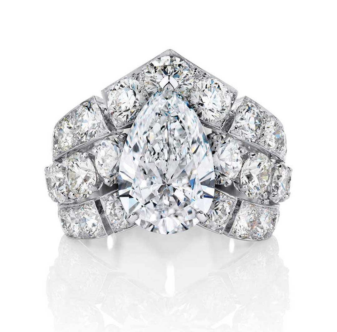De Beers Phenomena Frost oval-cut diamond ring, set with diamonds totalling more than 8ct.