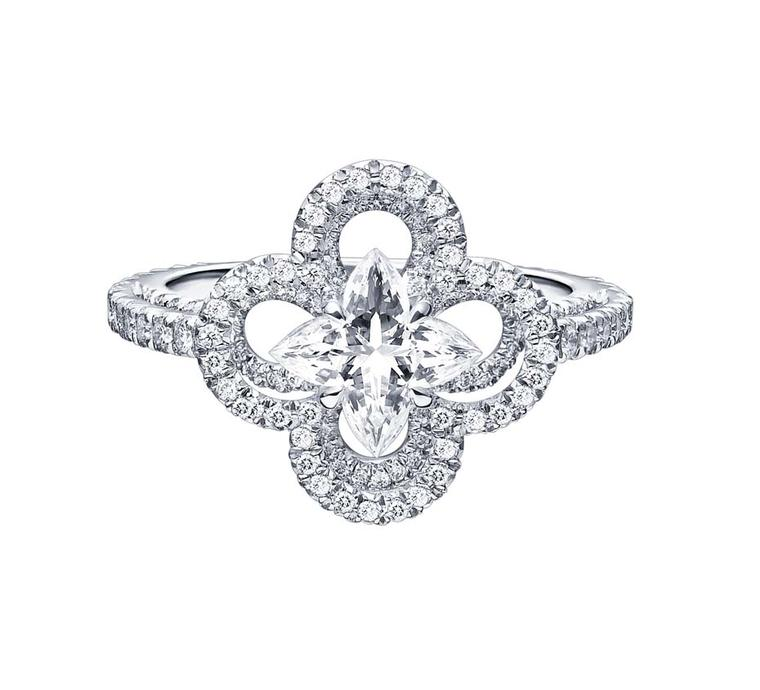 Floral engagement rings: petal perfect diamond rings to match the springtime mood