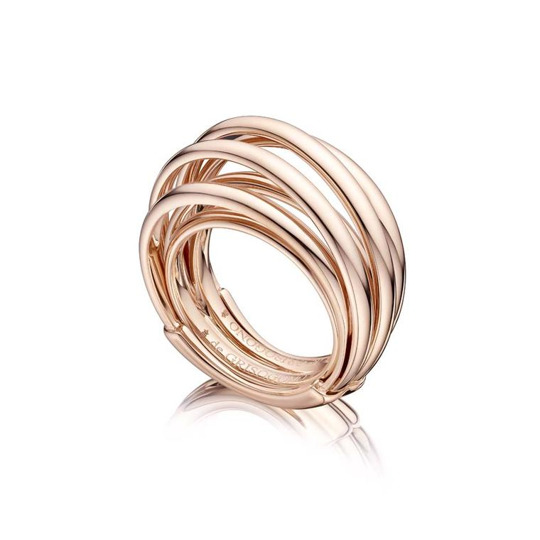 Rose gold de GRISOGONO ring with seven interlocking rings. It takes its cue from the number 7, which is said to embody good luck.
