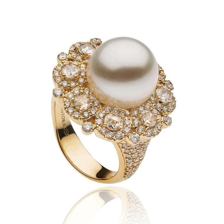 Autore South Sea pearl ring in gold with diamonds, from the Rose Cut collection.