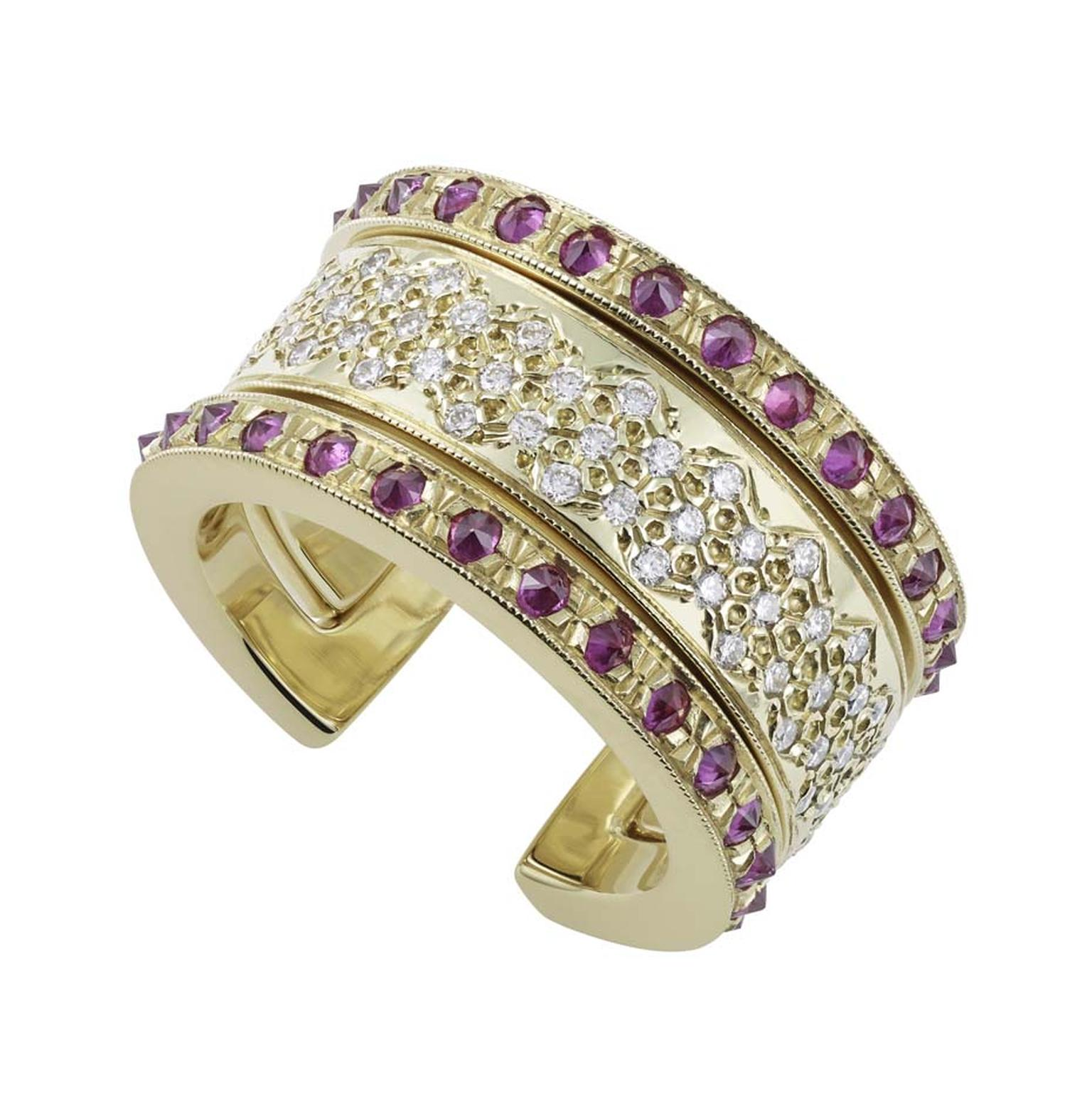 Misahara Koral ring in gold with diamonds and rubies. The two separate cuff rings can be worn together or apart.